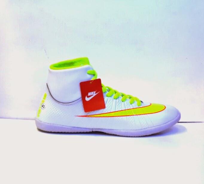Sepatu Nike  Putsal magista high