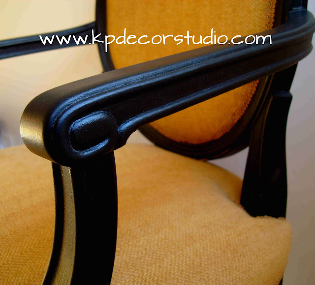 Tapizado de sillas. Comprar silla vintage original. Butaca antigua. Tienda de decoración valencia. Artículos económicos