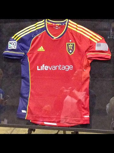 LifeVantage en el Patrocinio Frontal de Camiseta del Equipo de Futbol Real Salt Lake