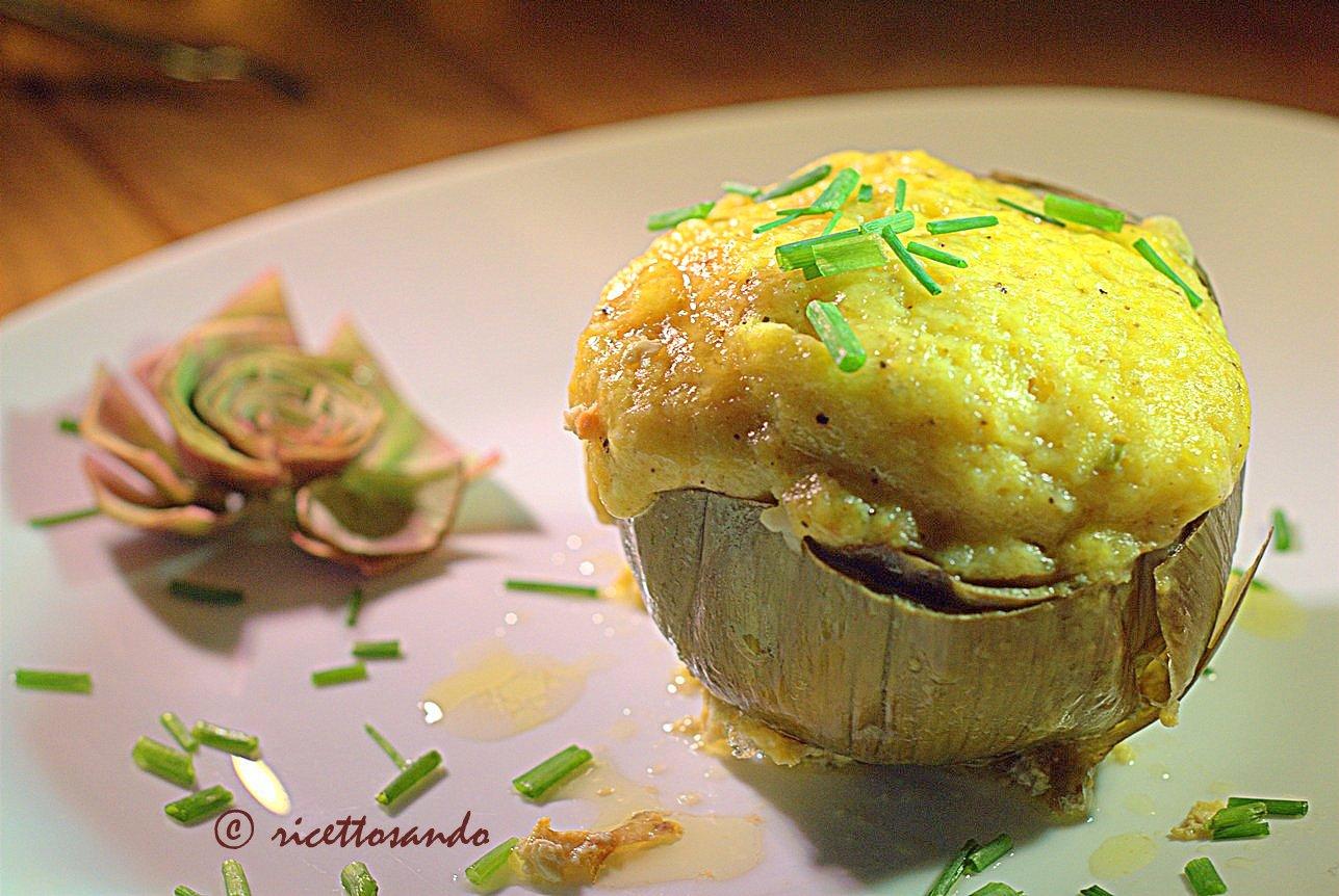 Carciofi ripieni ricetta di verdura farcita di uova e formaggio