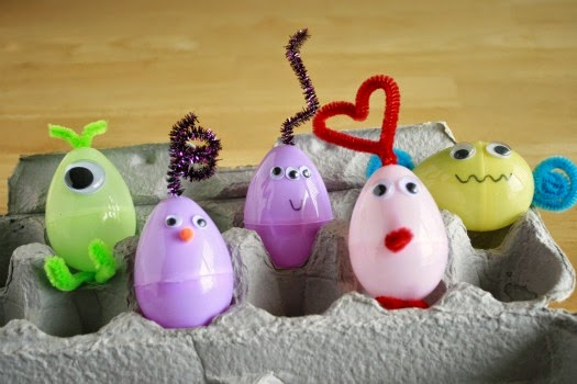 Upcycle and recycle plastic #Easter Eggs