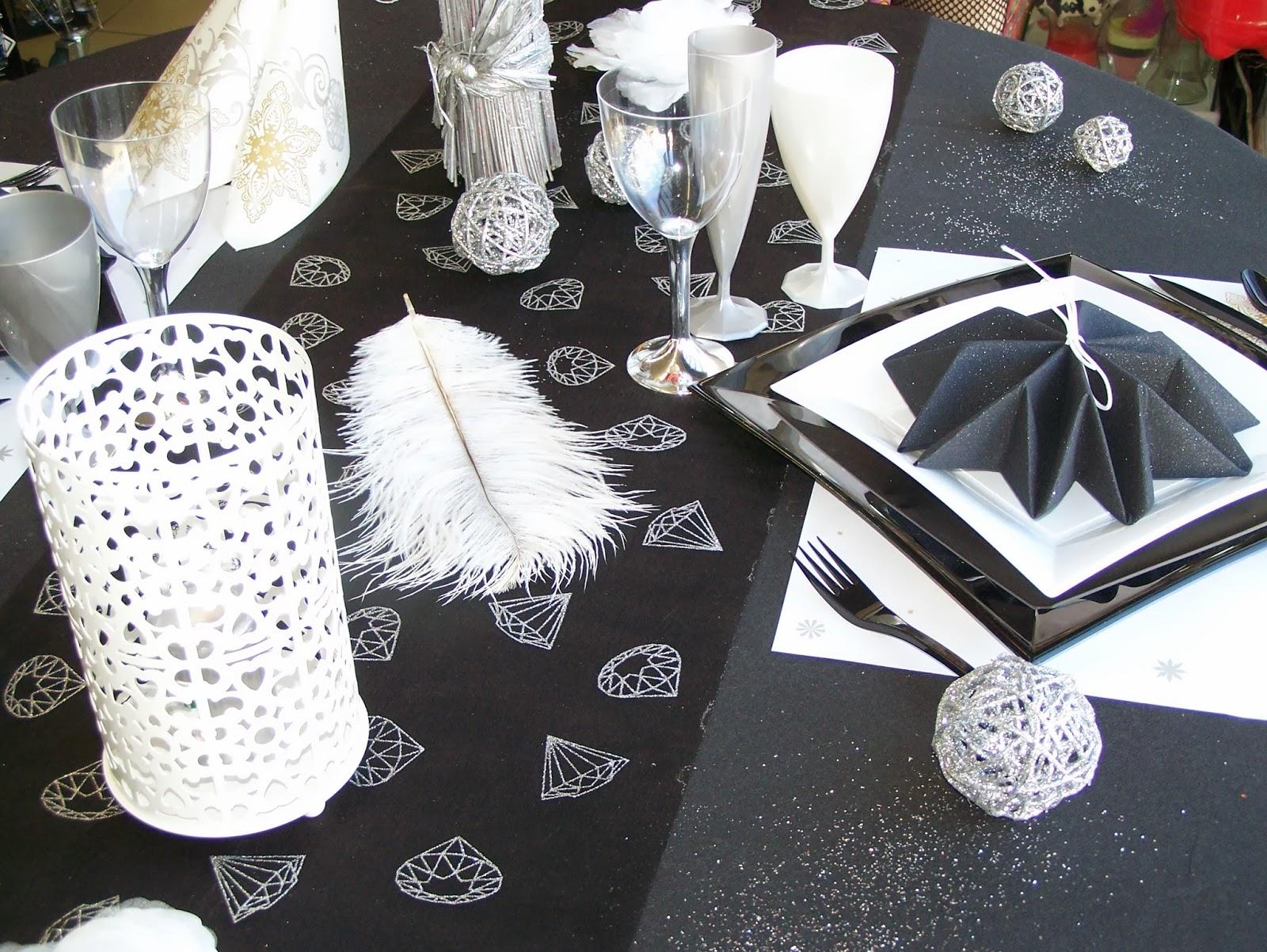 Assez de table noir et blanc pour anniversaire OY84