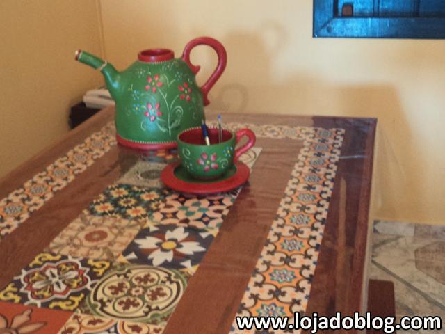 Blog vera moraes decora o adesivos azulejos - Mesas de azulejos ...