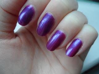 violet_metal_nail_swatch