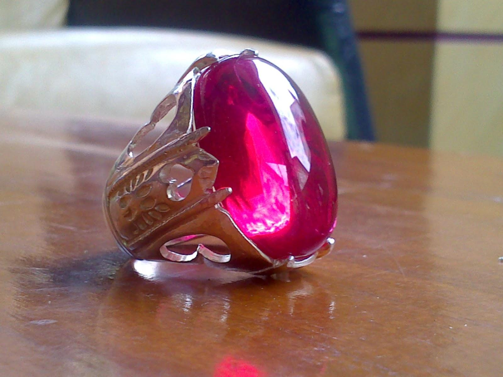 Khasiat batu cincin merah delima