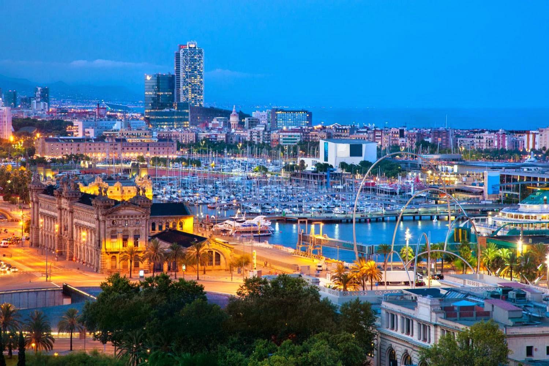 http://www.hotelbarcelonamontjuic.es/PT/fotos-e-video.html