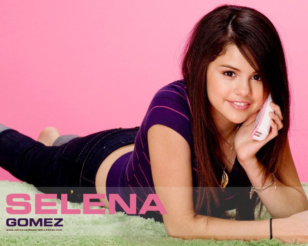 http://2.bp.blogspot.com/-bLkzA5AdW7U/Ts-x3xMzn_I/AAAAAAAAATg/-RftRtGUBT4/s1600/Selena+Gomez+2011+Wallpaper+8.jpg