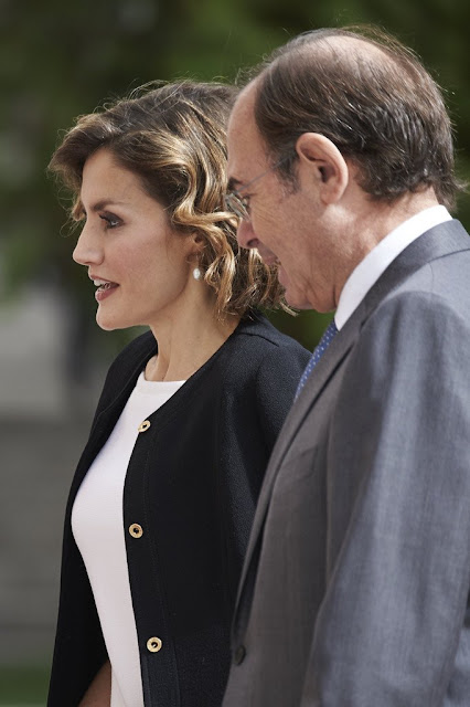 Queen Letizia of Spain attends the 'Luis Carandell' Journalism Award Ceremony at the Palacio del Senado