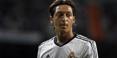 Mesut Özil respondió a las criticas de Mourinho