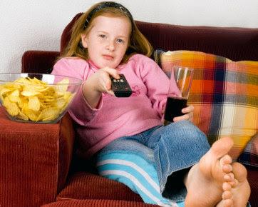 093419 tvanak362 5 Makanan Yang Harus Dihindari Anak & Bahaya Di Baliknya