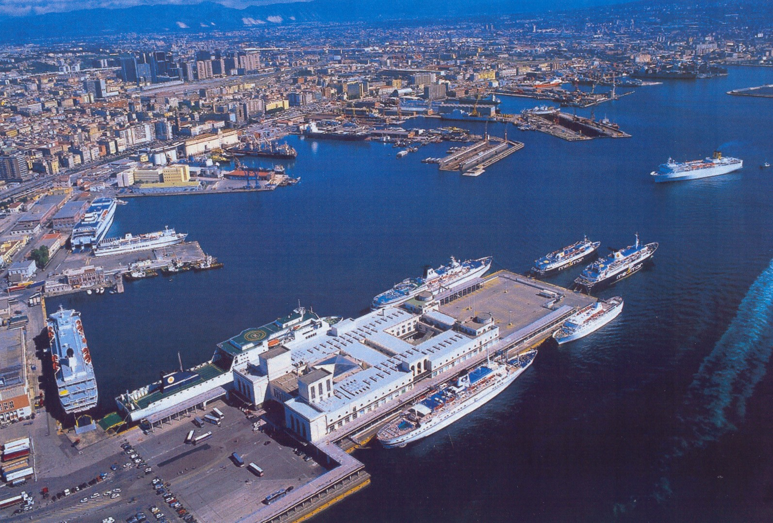 Napoli - Si riunisce il nuovo Comitato Portuale
