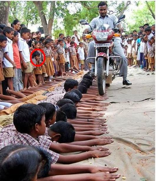 طريقة تعذيب الطلاب الهند