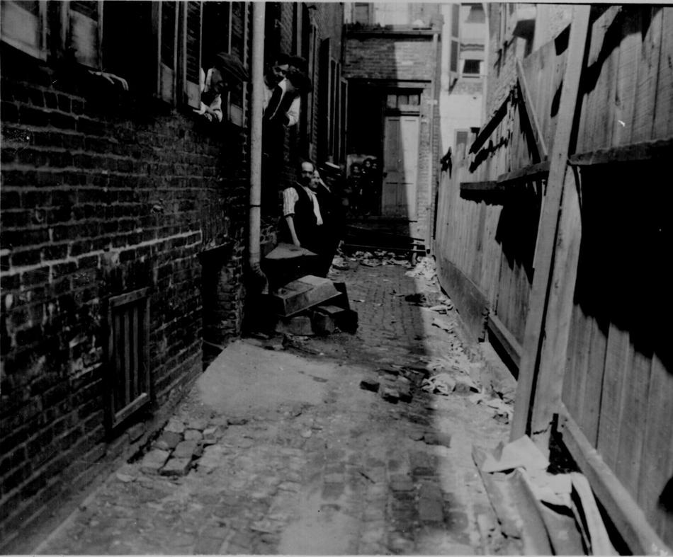 Black & White Photos of US From 1910s-1920s ~ vintage everyday Ghetto Street Corner At Night