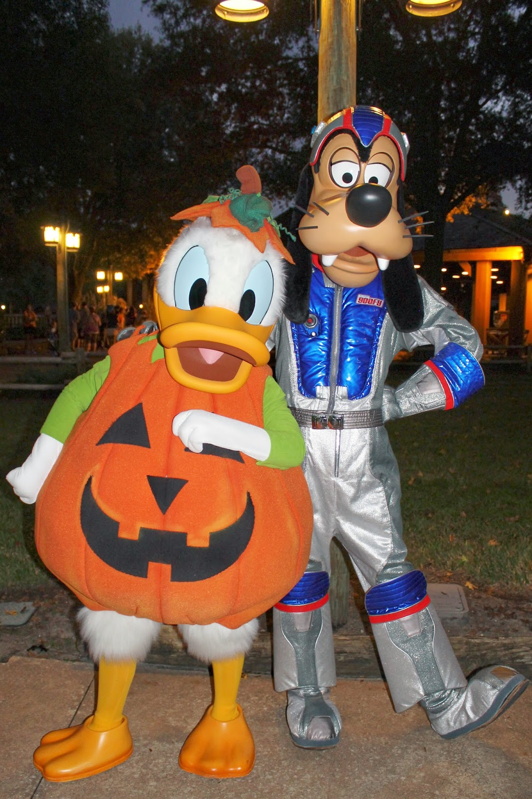 Donald Duck Goofy Disney Character Hunt Fort Wilderness Mickey's Backyard Barbeque