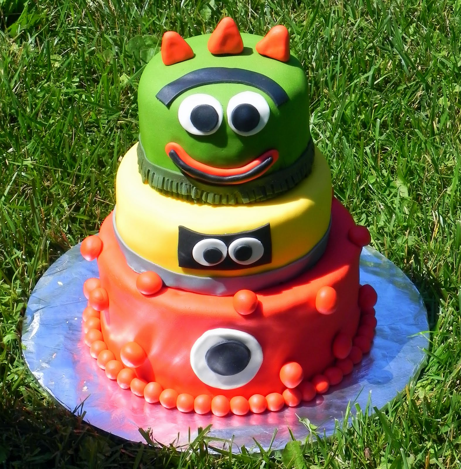 Yo gabba cake photo sharing Rainbow Swirl Cake Recipe In Katrina's Kitchen