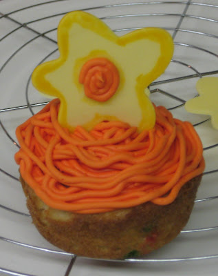 Funky Flower Cupcakes - Different Decorating Variation