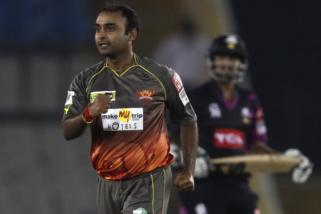 Amit-Mishra-Sunrisers-Hyderabad-vs-Faisalabad-Wolves-CLT20-2013
