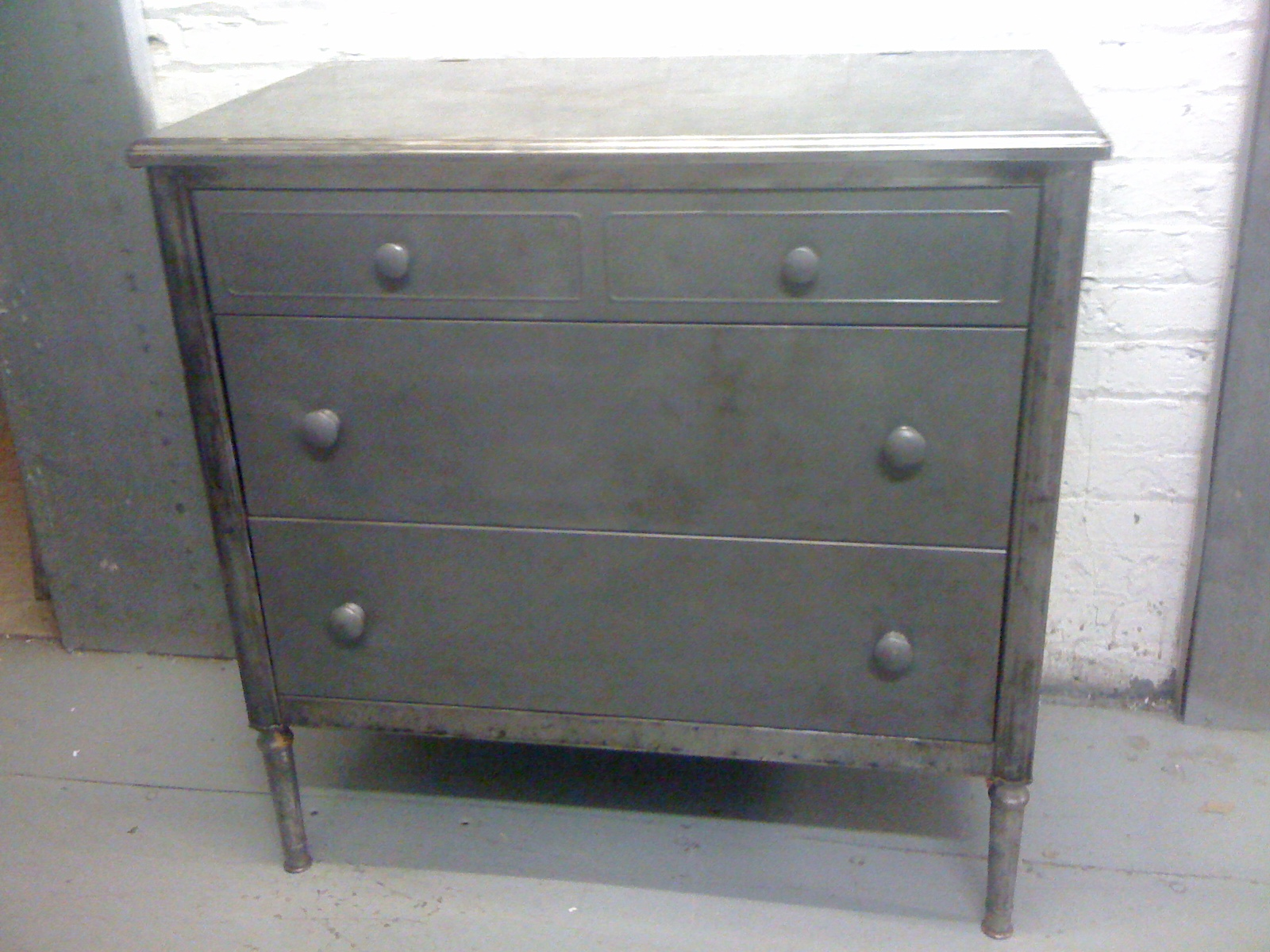 Antique Simmons Metal Dresser Bongrande