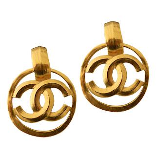 Vintage 1990's Chanel gold dangling earrings