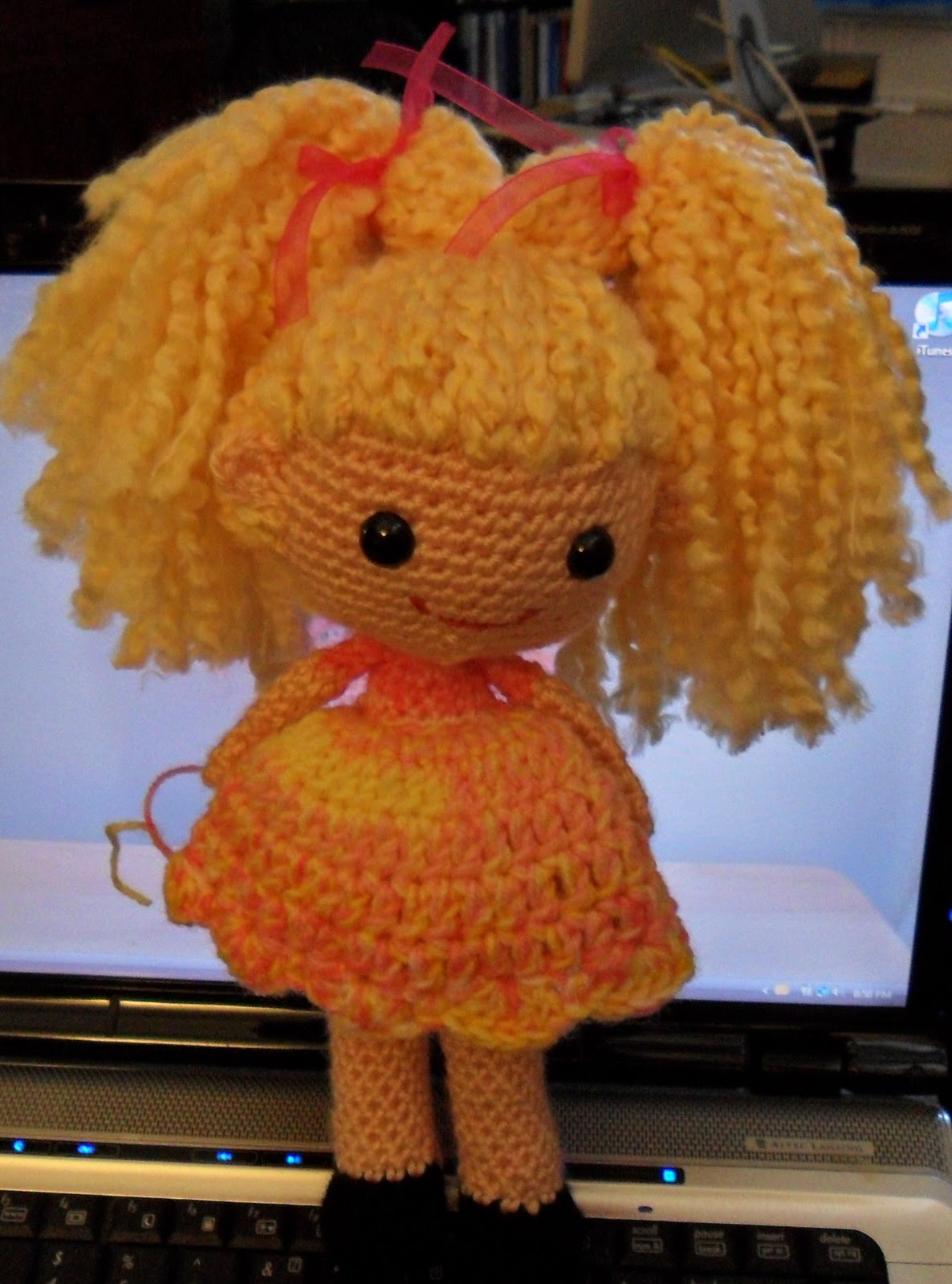 2000 Free Amigurumi Patterns: Little Pigtail Girl