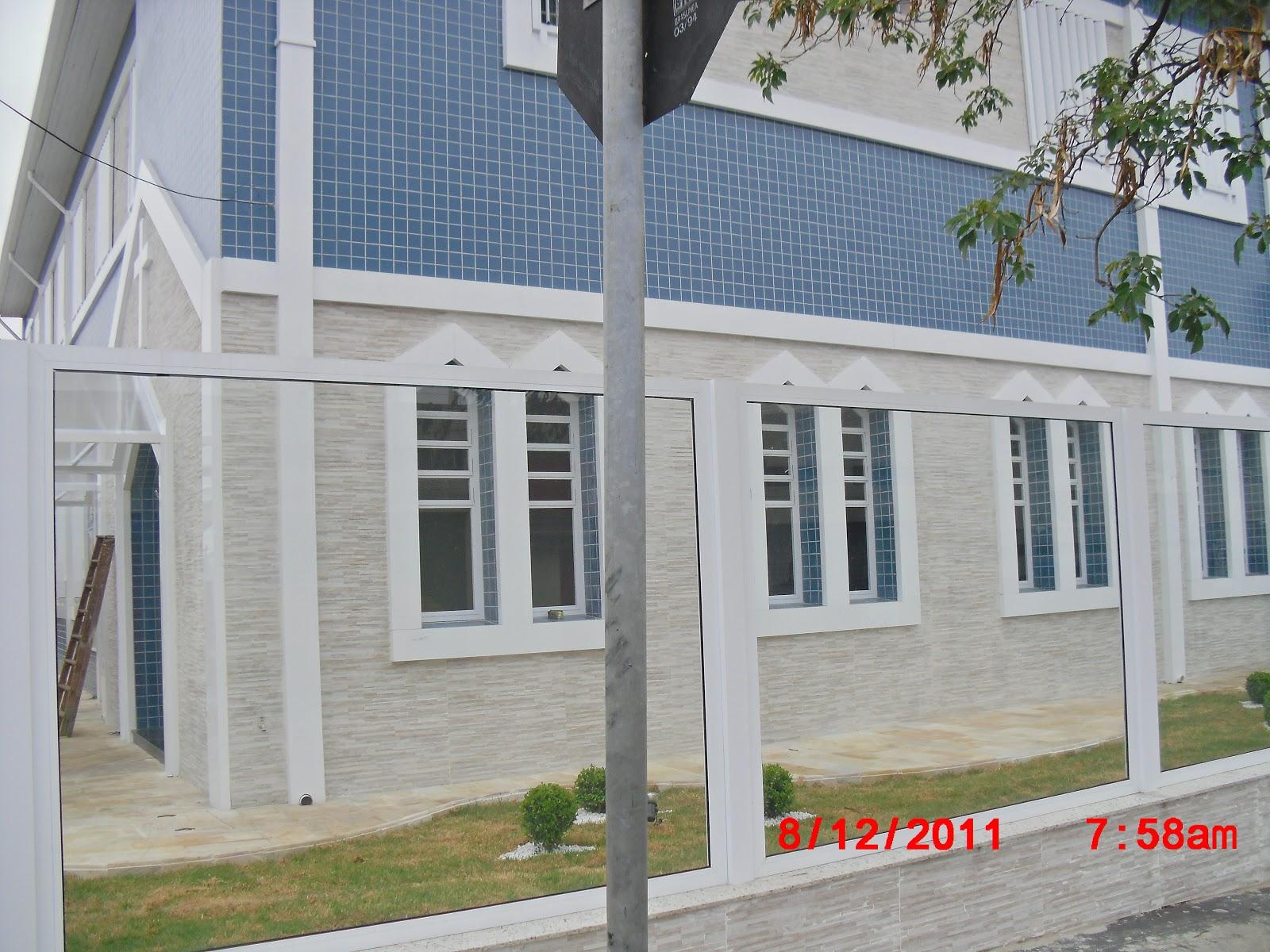 #757549 sexta feira 19 de outubro de 2012 1238 Portas E Janelas De Vidro Zona Leste