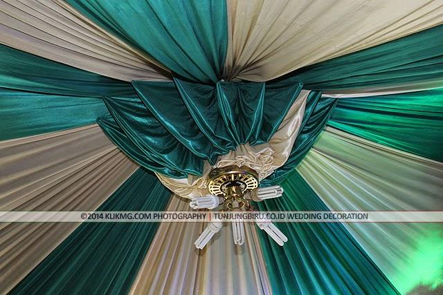 Dekorasi Pelaminan Rumahan Jawa Klasik Gebyog oleh Tunjungbiru.co.id Dekorasi Pelaminan | foto oleh KLIKMG Fotografi