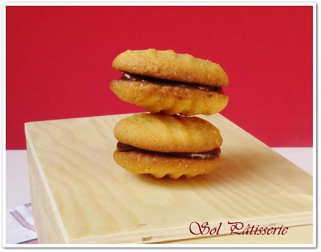 Biscuits croquants chocolat-noix de coco