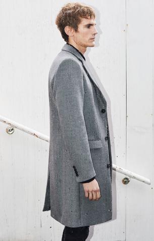 abrigo gris hombre Zara