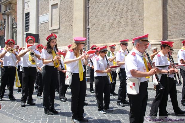 Band in front of the Apostolic Palace.