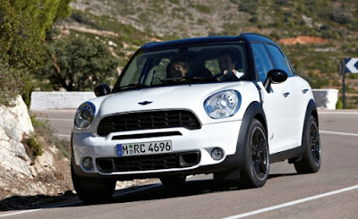 2011 Mini Cooper Countryman on road