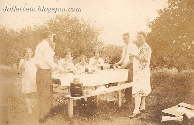 Woodring and Williams families picnic August 1928