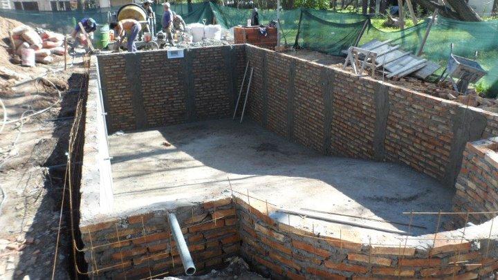 Arq martin arevalo arquitectura construcciones for Construccion de piscinas de hormigon