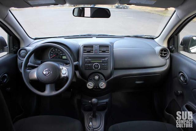 2012 Nissan Versa 1.6S interior