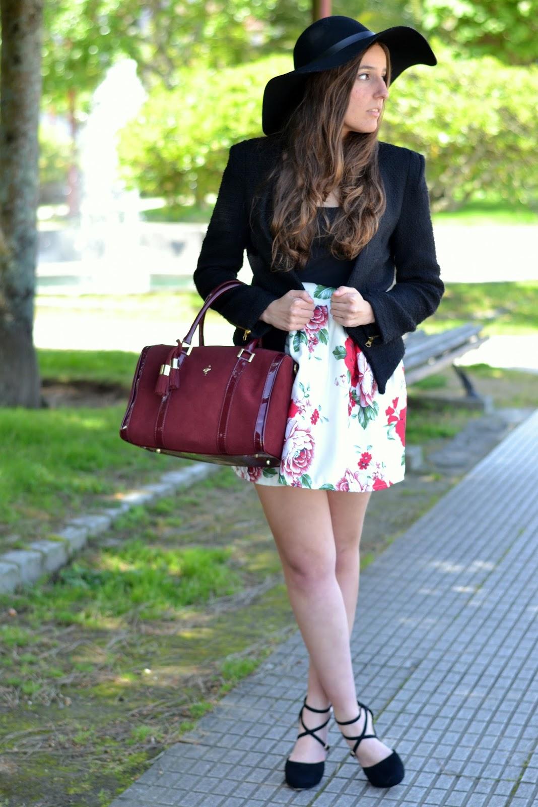 falda de flores de Sheinside, pamela negra