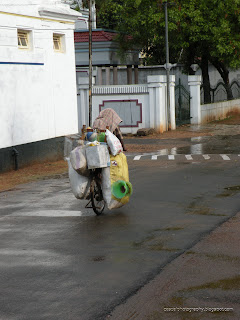 Karaikudi-Vendor-Rainy-Day