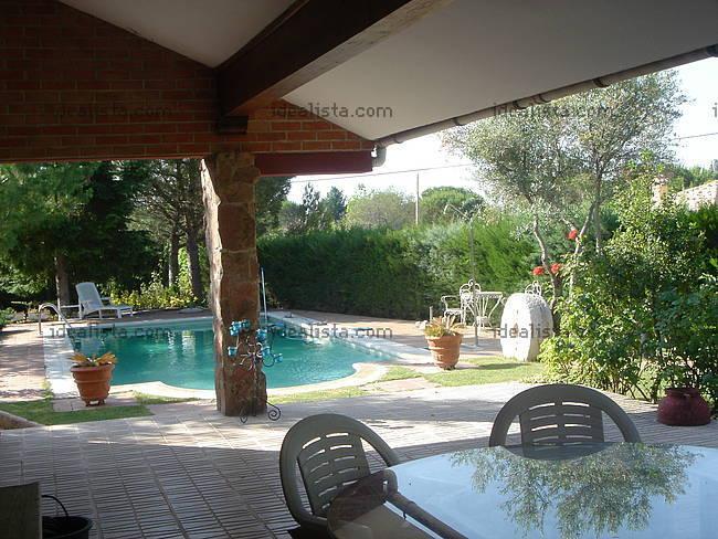 Fotos de terrazas terrazas y jardines terraza de casas for Casas con jardin y terraza