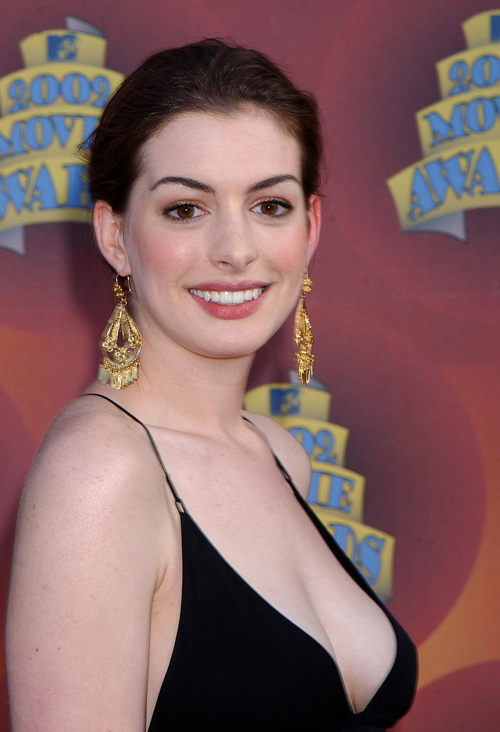 Anne Hathaway Celebrates The Witches Premiere in