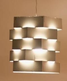 http://lasmanualidades.imujer.com/6598/como-hacer-una-lampara-de-carton
