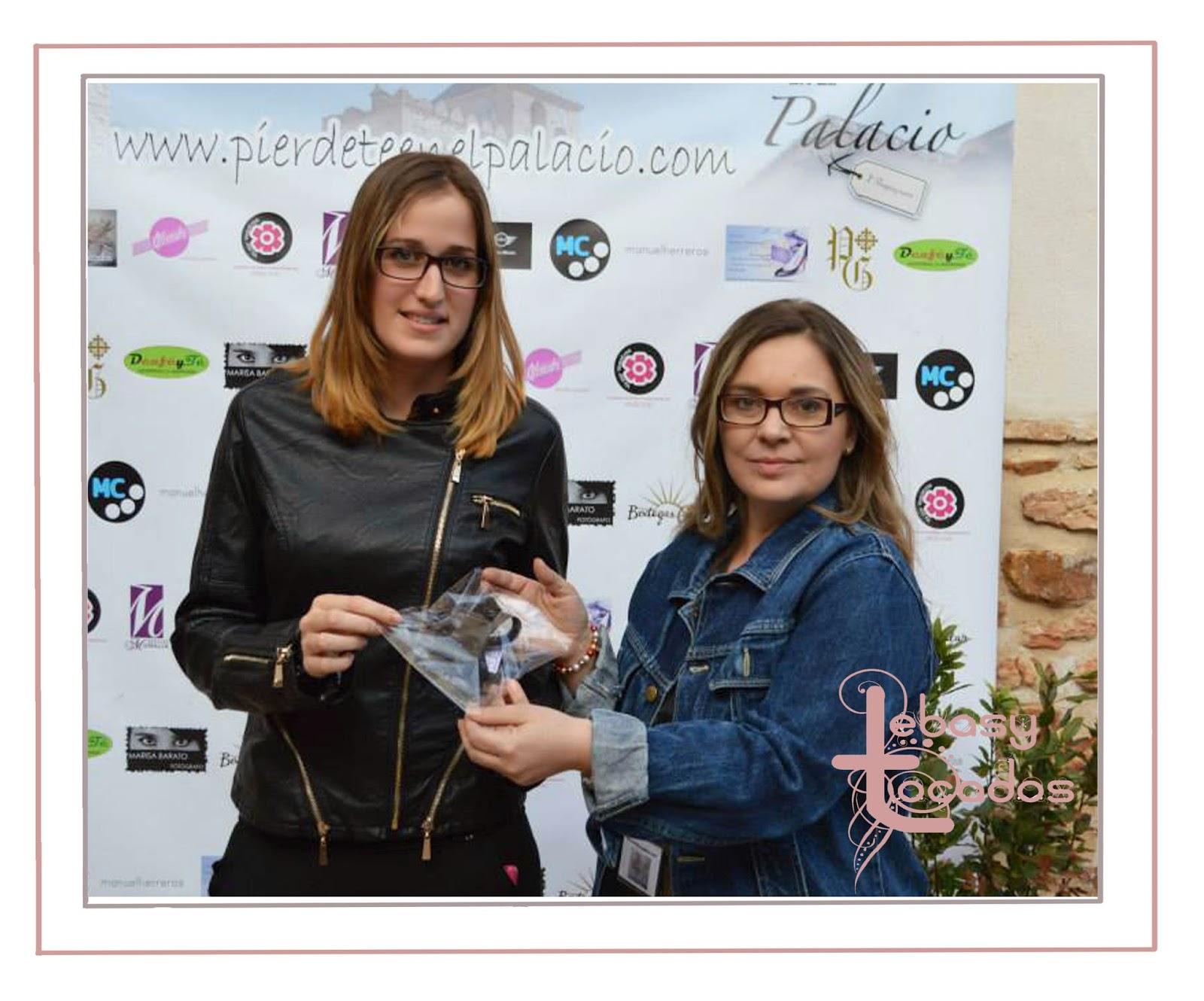 Tocados Lebasy entrega premio en Piérdete en Palacio
