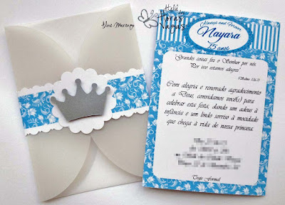 convite artesanal aniversário 15 anos debutante arabesco azul coroa prata delicado