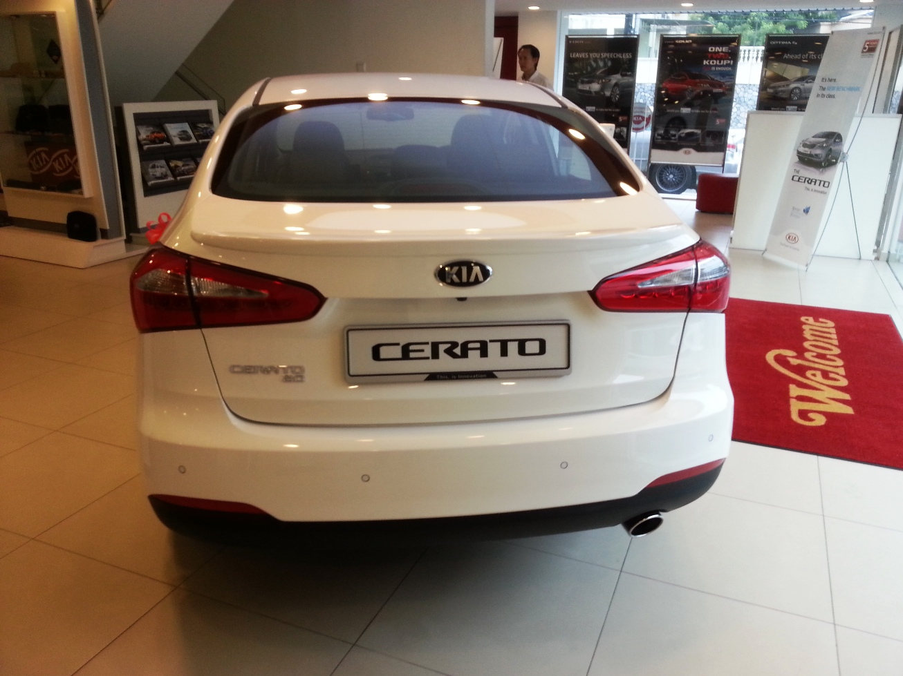 asian auto digest kia cerato launched malaysia exterior interior walk around review. Black Bedroom Furniture Sets. Home Design Ideas