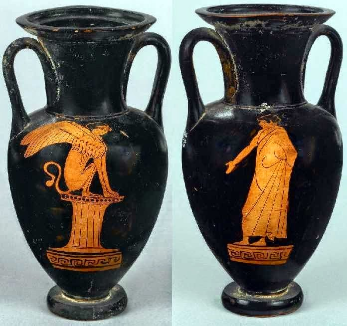 Οιδίποδας και Σφίγγα.Αττικός ερυθρόμορφος αμφορέας με λαιμό. Βρέθηκε στη Νόλα της Ιταλίας. Αποδίδεται στο ζωγράφο του Λονδίνου Ε342, περίπου 450-430 π.Χ. Στη μία πλευρά του αγγείου πάνω σε κίονα εικονίζεται η Σφίγγα καθισμένη. Στην άλλη πλευρά του αγγείου ένας νέος, ο Οιδίποδας, είναι στραμμένος προς τη Σφίγγα, έχοντας ελαφρά ανασηκωμένο το δεξί του χέρι. Λονδίνο, Βρετανικό Μουσείο, 1836,0224.120 / E325 © Trustees of the British Museum