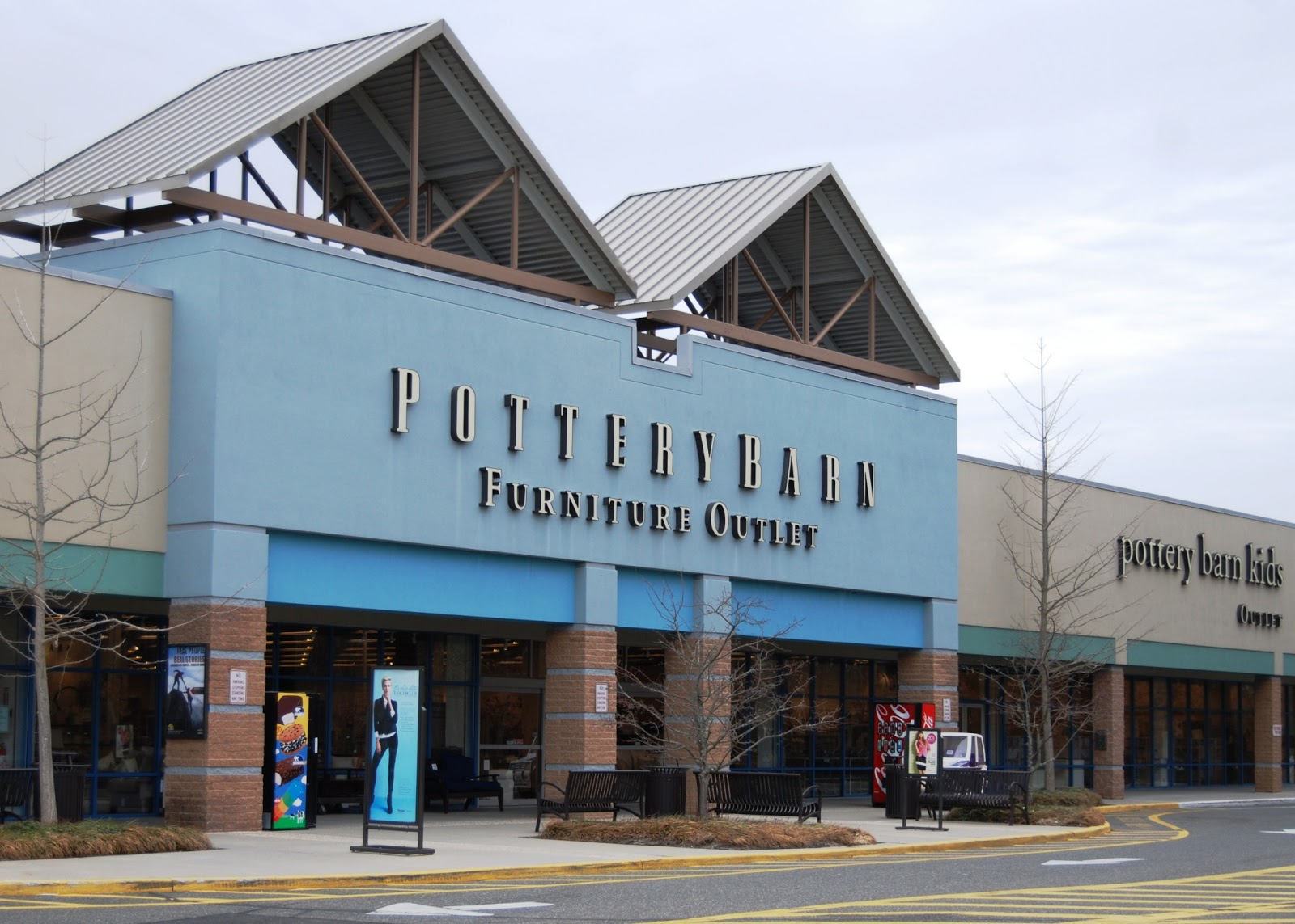 This Town Has An Insane Amount Of Outlets And Pretty Much Every Store You  Could Ever Imagine. We Walked The Whole Outlet Area, Got Lots Of Exercise,  ...