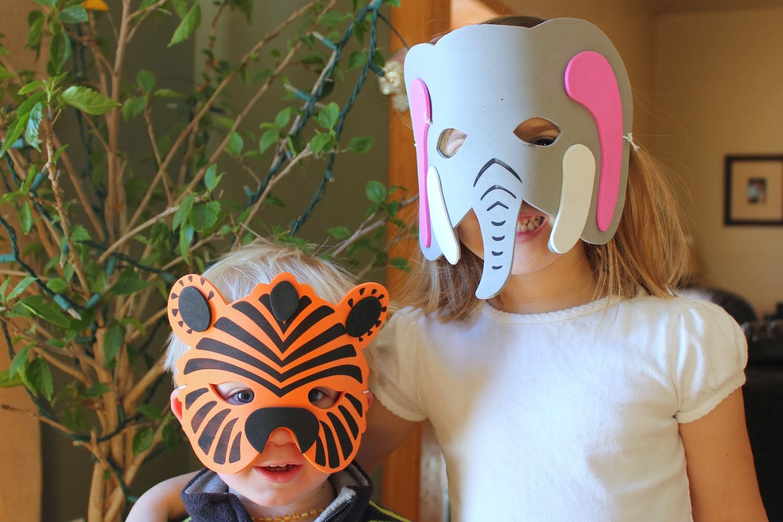 Glitter, spray paint & thread: Wyatt's zoo party - photo#42