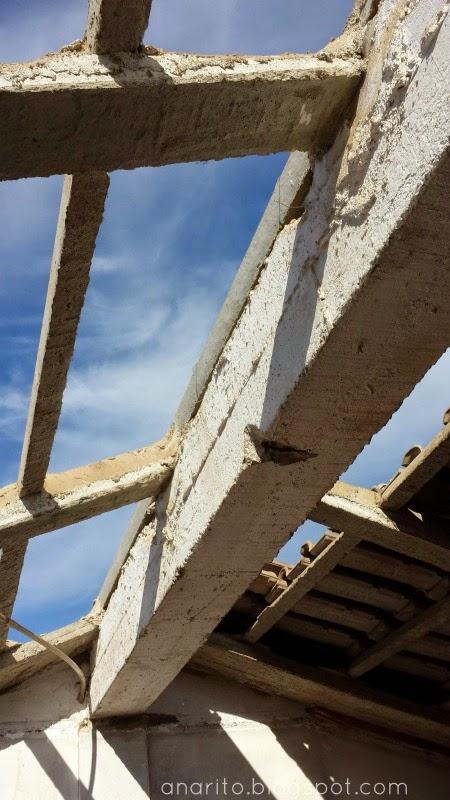 Telhado sem telhas, destelhado