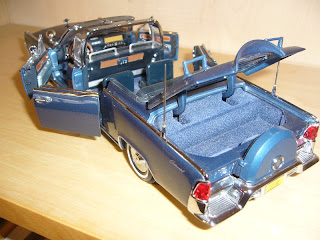 coches en miniatura a escala Lincoln X100 1961