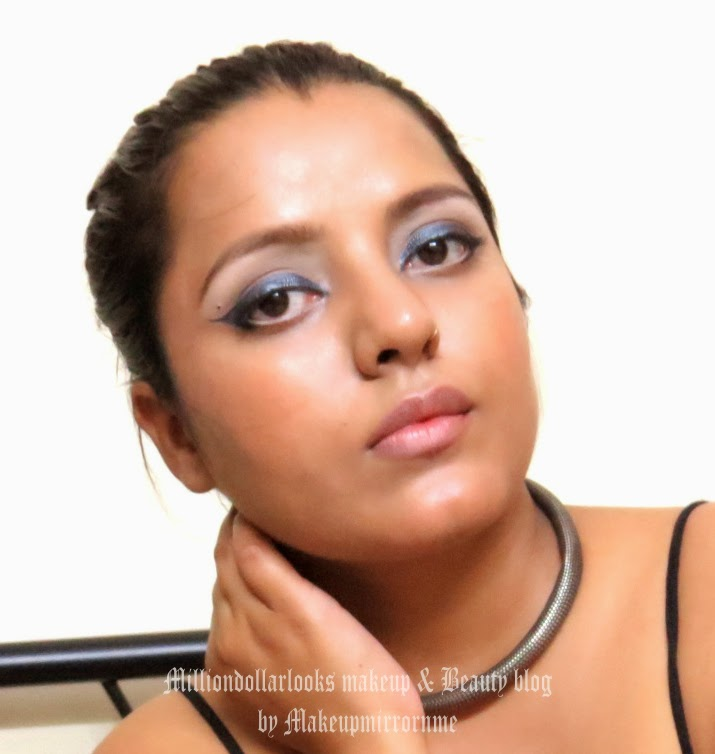 Lakme Absolute shine line liquid eyeliner Smoky Grey review, pictures, swatch & FOTD, Lakme absolute makeup range review and pricing, smoky grey liquid eyeliner review, Metallic finish liquid eyeliner, Indian makeup and beauty blog, Beauty and makeup blog India, Makeupmirrornme, milliondollarlooks makeup and beauty blog by Makeupmirrornme, Beauty blog, Makeup blog, Beauty blogger india, Affordable grey color liquid eyeliner available in India