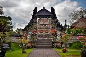 Paket Wisata Bali 3 hari 2 malam - Pura Taman Ayun Bali