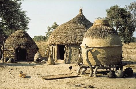 Fryou maison d cos maisons typiques du cameroun for Maison traditionnelle nord