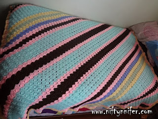 http://www.niftynnifer.com/2015/11/a-c2c-review-my-twist-shake-square.html